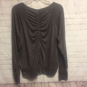Athleta scrunched back and sleeves top